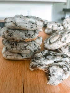 How To Bake Cookies 'N Cream Chocolate Chip Cookies